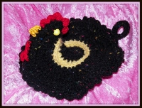 Black tweed and yellow chicken pot holder